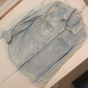 Tops - Levi shirt